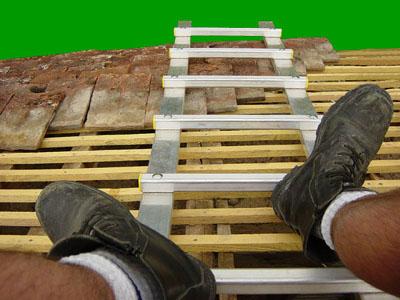 Chelle de toit certifies aux normes prix chafaudages - Location echelle de toit ...